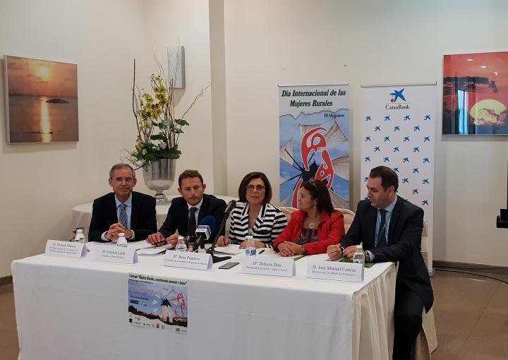 """La presidenta de la Asamblea Regional, Rosa Peñalver, ha inaugurado la primera jornada """"Mujeres rurales, construyendo presente y futuro"""""""