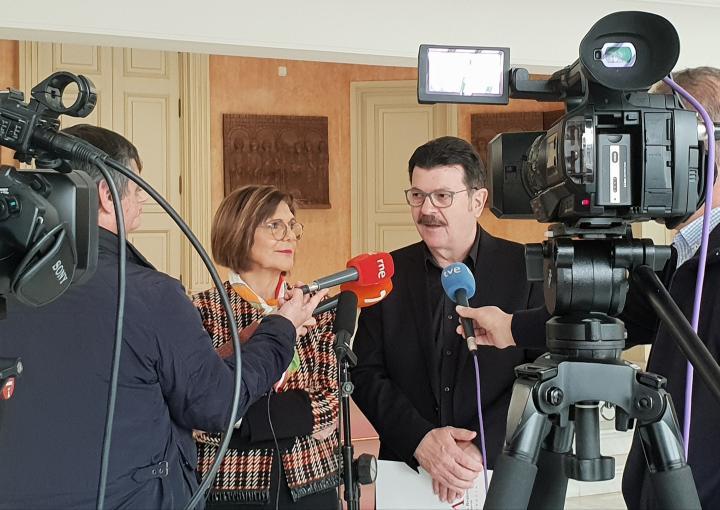 Peñalver y Guzmán ratifican el convenio de colaboración entre la Asamblea y la Vuelta Ciclista a la Región de Murcia
