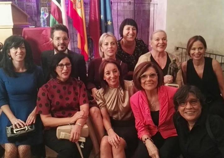 La presidenta de la Asamblea Regional, Rosa Peñalver, clausura el acto de investidura de Maestra del Vino 2018 a Concha Cuetos
