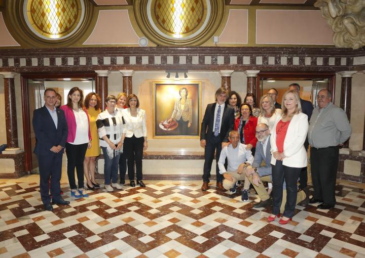 Descubrimiento y presentación del retrato oficial de la presidenta de la Asamblea, Rosa Peñalver