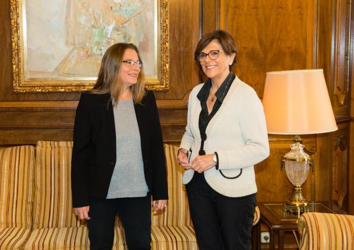 La presidenta ha recibido a la nueva directora regional de COPE, Pilar Oliva