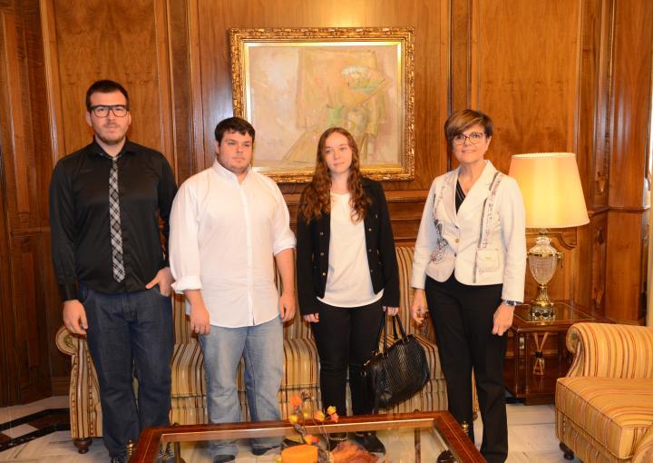 Miembros del Colectivo Galactyco visitan a la presidenta de la Asamblea