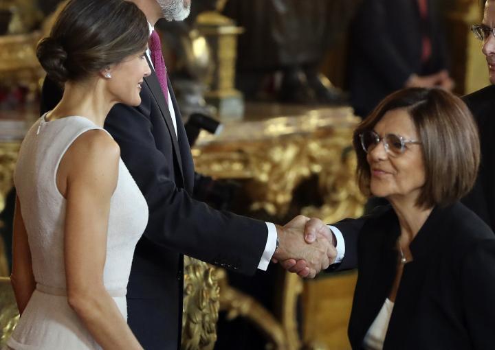 La presidenta de la Asamblea Regional, en la tradicional recpción de los Reyes de España