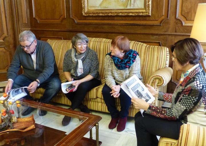 La presidenta de la Asamblea, Rosa Peñalver, ha recibido a la Asociación de jubiladas/jubilados y pensionistas de la Intersindical- Región de Murcia