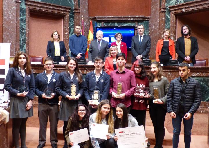 Entrega de premios del programa Iris, desarrollado conjuntamente por el Consejo de la Transparencia, la Sociedad de Filosofía de la Región y docentes de Bachillerato y Universidad
