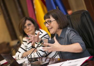 Pilar Carrasquer Oto durante su intervención en las jornadas de Igualdad de Género celebradas en la Asamblea Regional