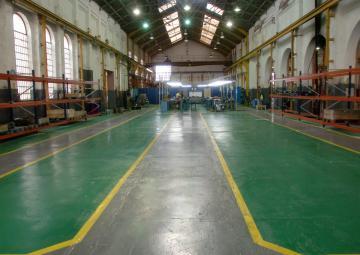 Taller de RENFE en Aguilas, referente nacional en diversas actividades como la construcción de cabinas para locomotora diésel.