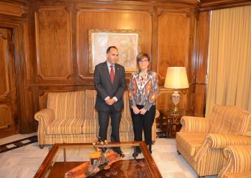 Díaz Morcillo se reúne con Rosa Peñalver