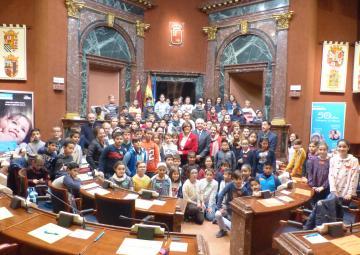 La Cámara legislativa acoge un pleno infantil de Aldeas Infantiles SOS España