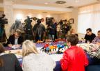La presidenta de la Asamblea ha compartido un desayuno con los medios de comunicación