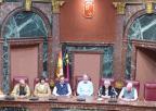 La presidenta de la Asamblea Regional, Rosa Peñalver, da la bienvenida a InMurcia, de visita en la Cámara