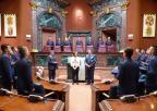 Alumnos y alumnas de segundo curso del Cuerpo General del Ejército del Aire han visitado la Asamblea Regional de Murcia con el coronel director de la Academia General del Aire, Miguel Ivorra Ruiz